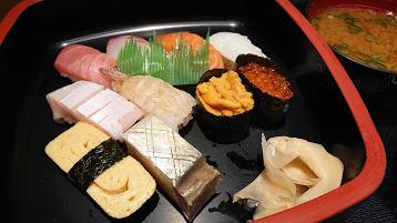 高松駅近くサンポート高松内 ディナータイムおひとりさまでも行きやすい定食メニューあり 釜めし寿し七幸