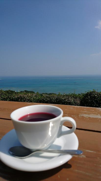 【沖縄】南城市知念の絶景カフェ アジアンハーブレストラン カフェくるくま