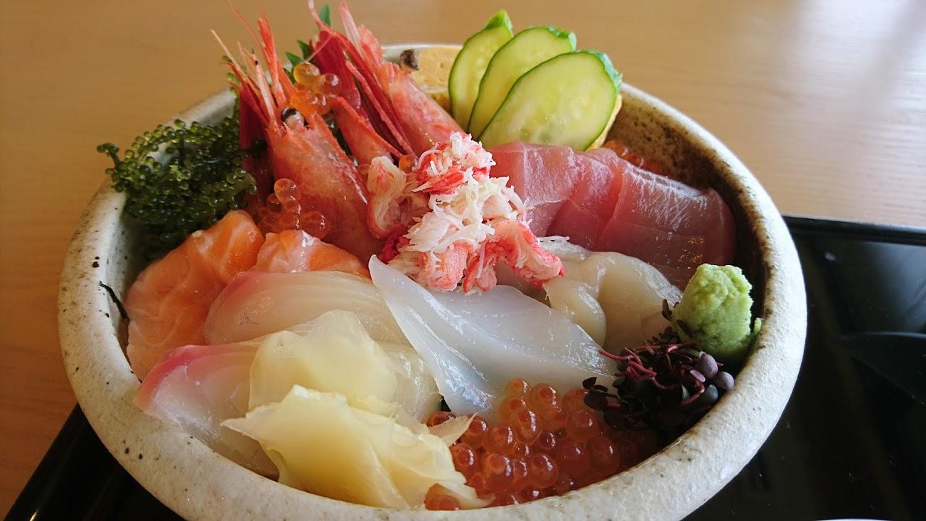 恩納村 沖縄の美ら海×北海道の海の幸 海の旅亭おきなわ名嘉真荘「海の坊」で海を見ながら素材の良さを堪能する