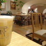 【神戸元町】JR・阪神元町駅すぐ 高架下でゆったり広々カフェスペースも 焼きたてチーズタルト専門店PABLO
